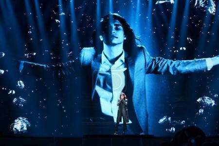 Foto de Kiev, Ucrania - 08 de mayo de 2017: Isaías de Australia en el primer ensayo semifinal durante la canción de Eurovisión, en Kiev, Ucrania - Imagen libre de derechos