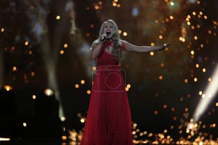 Photo pour KYIV, UKRAINE - 10 MAI 2017 : Anja Nissen du Danemark à la deuxième demi-finale du Concours Eurovision de la chanson, à Kiev, Ukraine - image libre de droit
