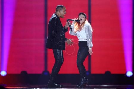 Photo pour KYIV, UKRAINE - MAY 10, 2017:  Valentina Monetta & Jimmie Wilson from San Marino at the second semi-final rehearsal during Eurovision Song Contest, in Kyiv, Ukraine - image libre de droit