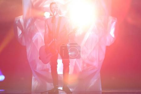 Foto de Kiev, Ucrania - 10 de mayo de 2017: O.Torvald de Ucrania en el segunda semifinal ensayo durante la canción de Eurovisión, en Kiev - Imagen libre de derechos