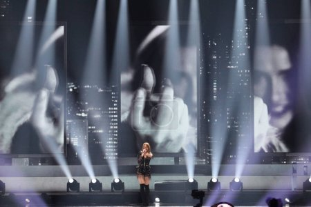 Photo pour KYIV, UKRAINE - 10 MAI 2017 : Jana Burceska de Macédoine à la deuxième demi-finale du Concours Eurovision de la chanson, à Kiev, Ukraine - image libre de droit