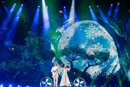 Photo pour KYIV, UKRAINE - 12 MAI 2017 : Le groupe biélorusse NAVI lors de la grande répétition finale du Concours Eurovision de la chanson, à Kiev, Ukraine - image libre de droit