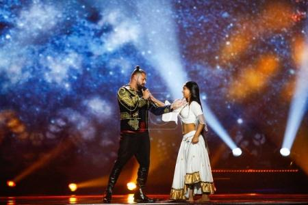 Photo pour KYIV, UKRAINE - 12 MAI 2017 : Joci Papai de Hongrie à la grande répétition finale du Concours Eurovision de la chanson, à Kiev, Ukraine - image libre de droit