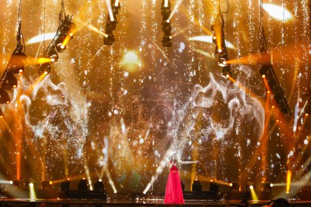 Photo pour KYIV, UKRAINE - 12 MAI 2017 : Anja Nissen du Danemark à la grande répétition finale du Concours Eurovision de la chanson, à Kiev, Ukraine - image libre de droit