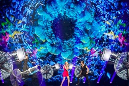 Photo pour KYIV, UKRAINE - 12 MAI 2017 : Ilinca et Alex Florea de Roumanie à la grande répétition finale du Concours Eurovision de la chanson, à Kiev, Ukraine - image libre de droit