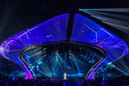 Photo pour KYIV, UKRAINE - MAY 12, 2017:   Kasia Mos from Poland at the Grand Final rehearsal during Eurovision Song Contest, in Kyiv, Ukraine - image libre de droit