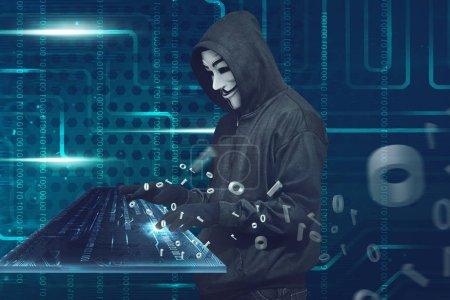 Photo pour Portrait de pirate à capuchon en masque et gants sur fond de système binaire - image libre de droit