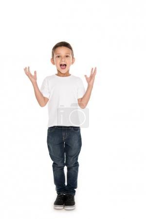 niño emocionado