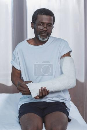 patient with broken arm