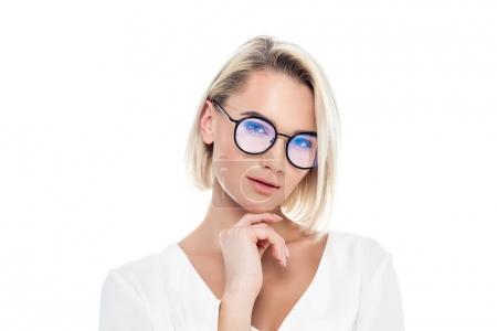 Photo pour Belle fille pensive de lunettes, isolé sur blanc - image libre de droit
