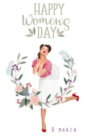 Photo pour Heureux jour des femmes carte de vœux avec jeune femme dans des vêtements de style rétro souffle baiser isolé sur blanc - image libre de droit
