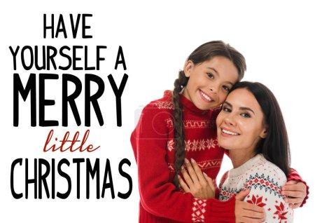 Photo pour Heureux enfant étreignant joyeuse mère en pull isolé sur blanc avec vous-même une joyeuse petite illustration de Noël - image libre de droit