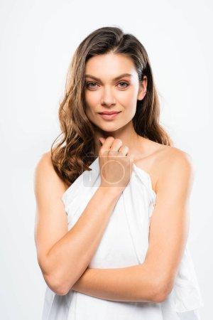 Photo pour Belle brune à la peau parfaite, isolée sur fond blanc - image libre de droit