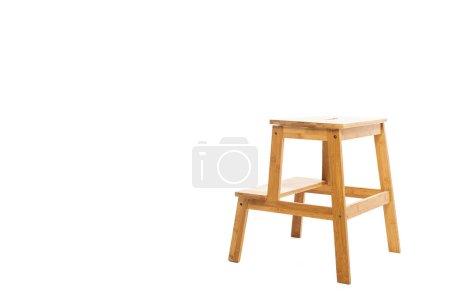 Photo pour Tabouret de marche en bois brun isolé sur blanc - image libre de droit