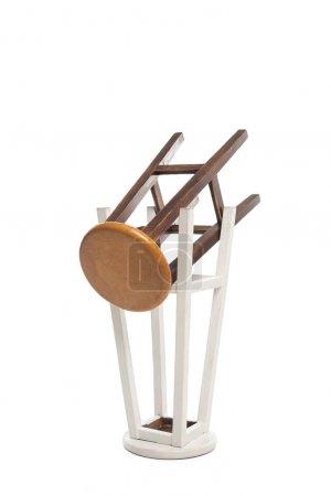 Photo pour Chaises modernes en bois isolées sur blanc - image libre de droit