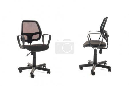 Photo pour Deux chaises de bureau noires isolées sur blanc - image libre de droit