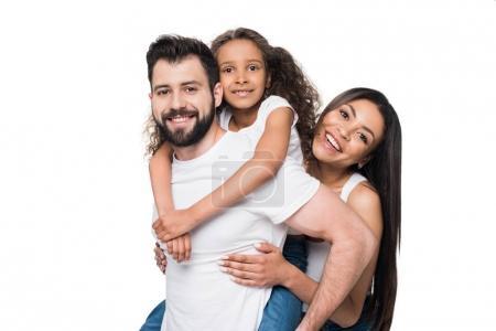 Photo pour Homme et fille piggybackking tandis que la femme debout près de isolé sur blanc - image libre de droit