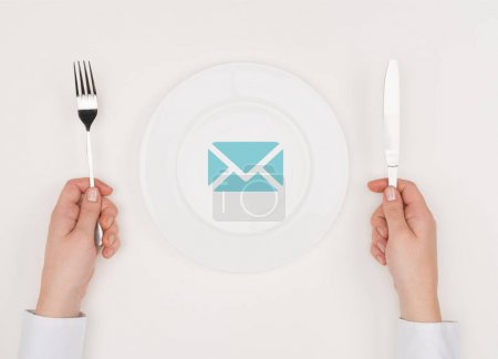 Message icon on plate