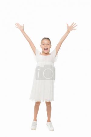 Photo pour Fille de préados caucasienne excitée avec les bras tendus, regardant la caméra isolé sur blanc - image libre de droit