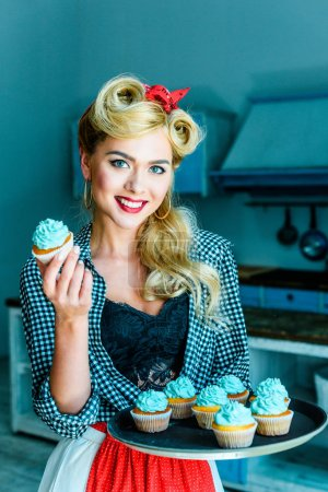 pin up girl with cupcakes