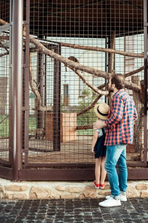 father and daughter in zoo