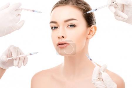 Photo pour Jolie fille avec une peau parfaite faisant des injections de beauté, isolées sur blanc - image libre de droit