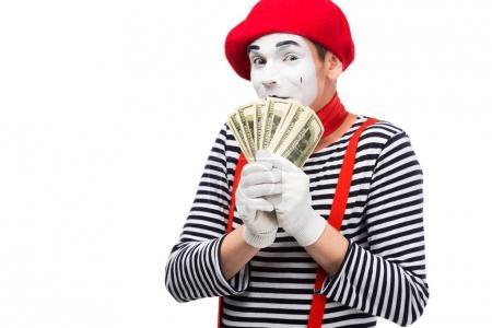 Photo pour Mime couvrant la bouche avec des dollars isolés sur blanc - image libre de droit