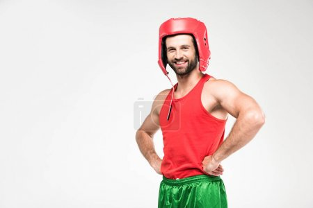 Photo pour Souriant sportif casque rétro rouge, isolé sur blanc - image libre de droit