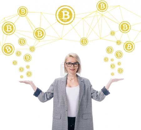Photo pour Séduisante femme d'affaires élégant avec symboles de bitcoin isolé sur blanc - image libre de droit