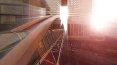 Mostního stavitelství sluneční paprsek sluneční paprsky světla futuristická architektura
