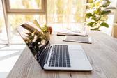 "Постер, картина, фотообои ""Ноутбук и цифровой планшет на столе в офисе"""