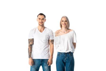 Photo pour Heureux jeune couple tatoué isolé sur blanc - image libre de droit