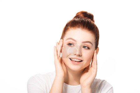 Photo pour Belle adolescente heureuse avec une peau parfaitement propre, isolée sur blanc - image libre de droit