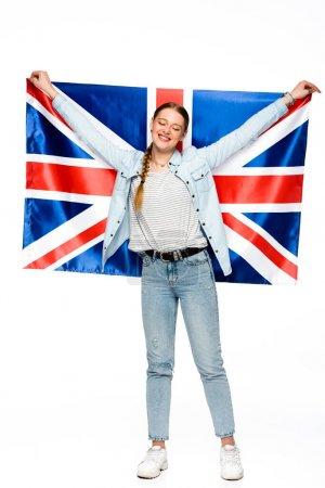 Photo pour Heureuse jolie fille avec tresse tenant drapeau britannique isolé sur blanc - image libre de droit