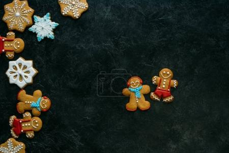 Gingerbread men and snowflakes