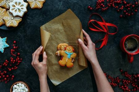 gingerbread men on baking paper