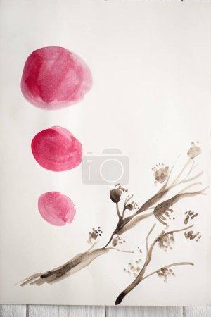 Foto de Vista superior del papel con pintura japonesa con círculos de plantas y rosas sobre fondo de madera. - Imagen libre de derechos