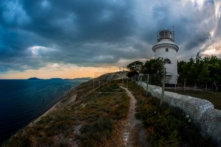 Красота природы Крым с маяком