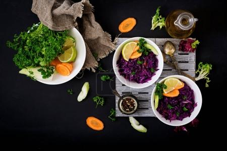 Stewed red cabbages with carrots