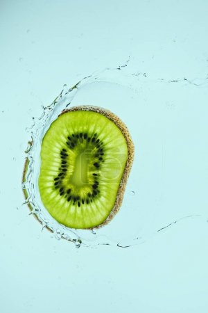 kiwi slice in water