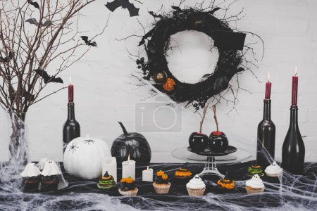 halloween cupcakes and decorations