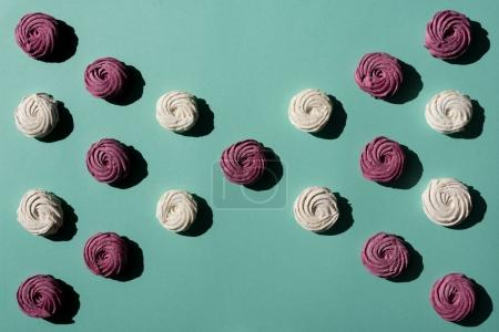 bow of berry and white marshmallows