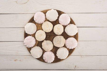 marshmallows on round board