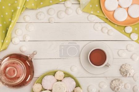 white marshmallows and tea