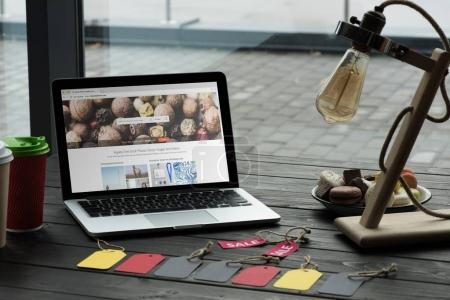 laptop with depositphotos website