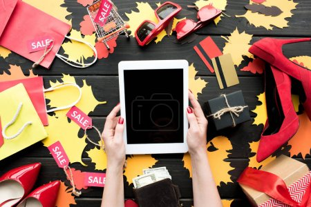 online shopping with tablet