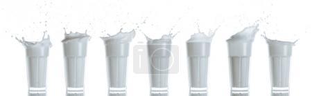 Photo pour Collection de verres avec éclaboussures de lait, isolés sur blanc - image libre de droit