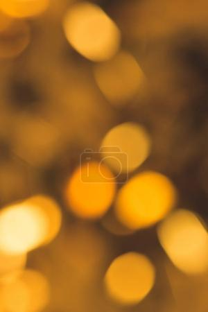 plein cadre de lumières de Noël lumineuses déconcentrées
