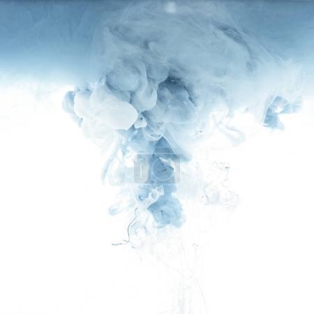 Photo pour Bouchent la vue de splash encre grise isolé sur blanc - image libre de droit