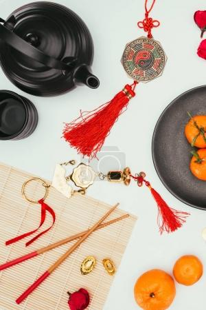 Photo pour Vue de dessus de la composition traditionnelle du nouvel an chinois - image libre de droit